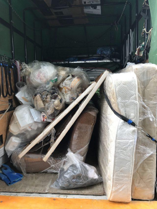 大量の家庭ごみもお任せください!増えすぎたごみの回収でお部屋もスッキリ片付きました!
