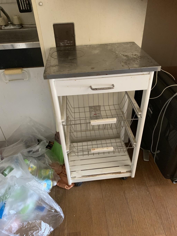 【宮崎市】食器棚など軽トラック一台程度の不用品回収☆不用品を一気に処分できて助かったと、大変満足していただきました!