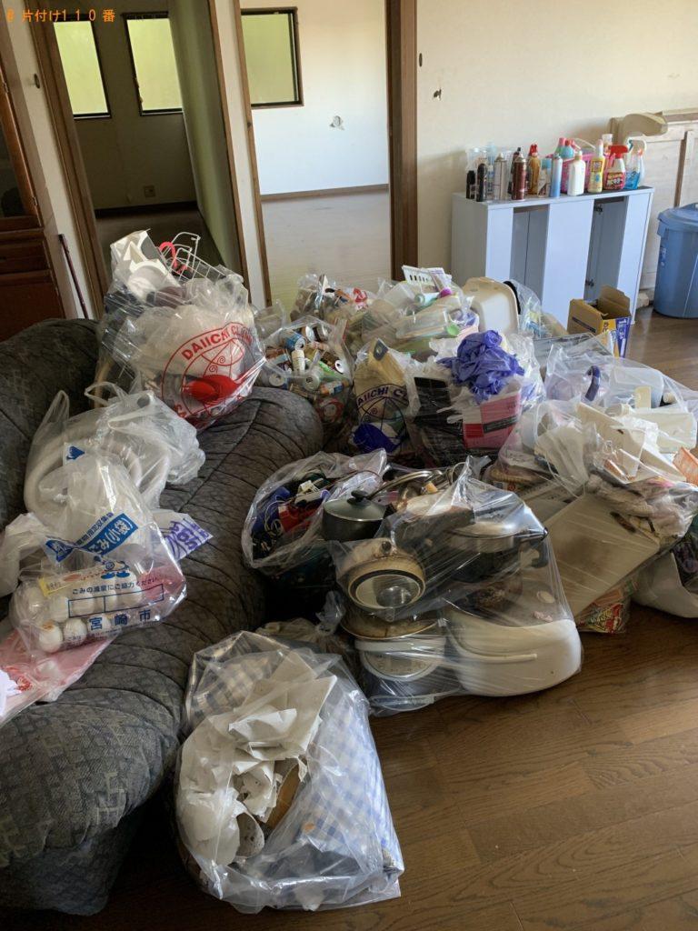 【茅野市】メタルラック、炊飯器、照明器具等の回収・処分