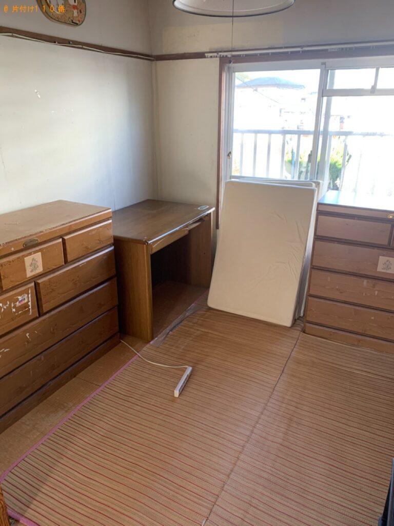 【延岡市】遺品整理でスタンドミラー、本棚、タンス等の回収・処分